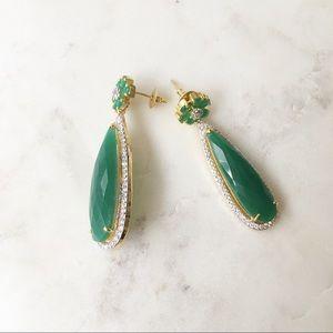 Jewelry - Beautiful green drop style earrings